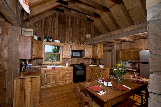 Plecker River Cabin on the Cow Pasture River traditional kitchen