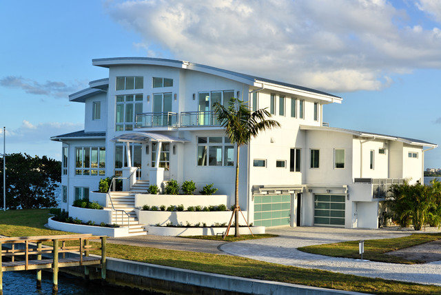 Point Crisp - Tropical - Exterior - Tampa - by MGB Fine ...