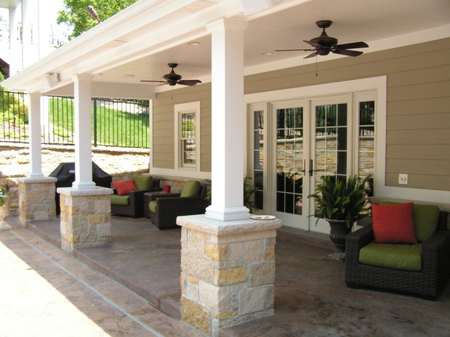Pool house veranda for Pool veranda designs