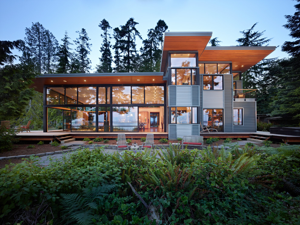 Minimalist metal exterior home photo in Seattle