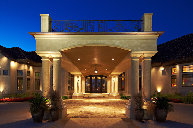 Porte cochere mediterranean exterior other metro for What is a porte cochere