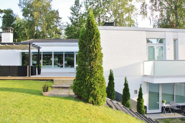PP Interiordesign company designed house from 70`s to 2012 level modern-exterior