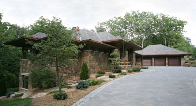 Prairie Style In The Woods Traditional Exterior