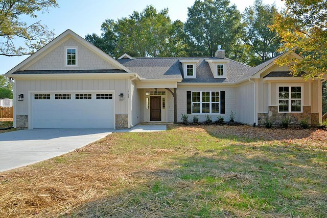 Prairie Style Ranch - Traditional - Exterior - raleigh - by Grayson Dare Homes, Inc.