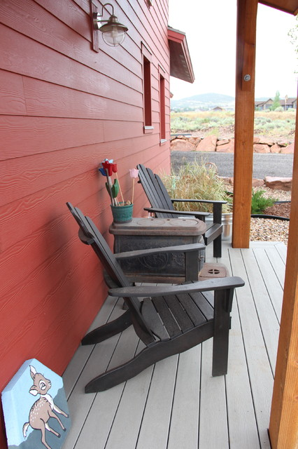 Mid-sized country red two-story exterior home idea in Salt Lake City