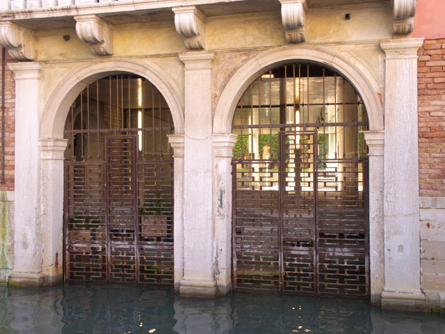 A Venetian Courtyard Shows Mastery In The Details