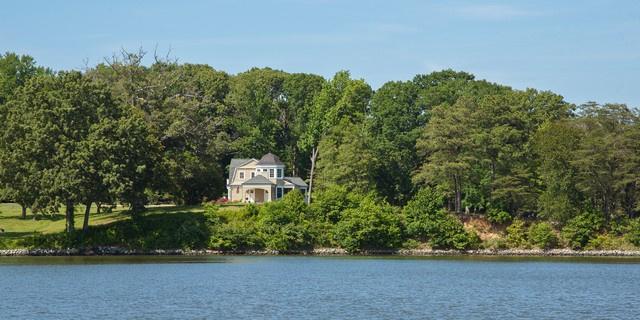 Rappahannock River House, Chesapeake Bay, Virginia traditional-exterior