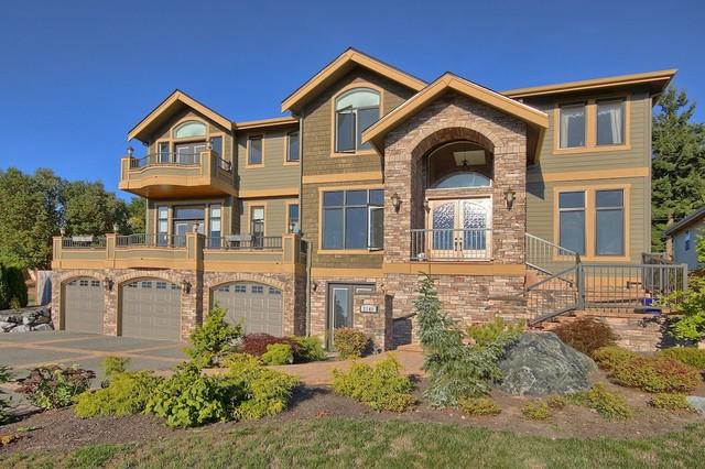 Real estate portfolio exterior