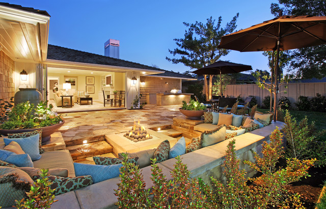 Rear Yard W/ Built In Fire Pit Traditional Exterior