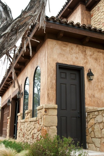 Reggatta View traditional exterior