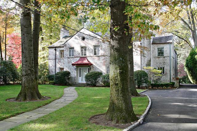 REGINALD L. THOMAS ARCHITECT, LLC traditional-exterior