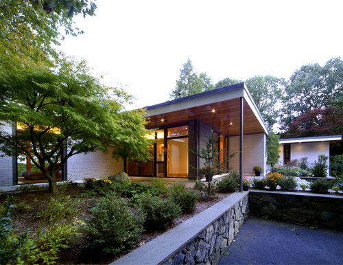 5 Updates For A Midcentury Home\'s Exterior