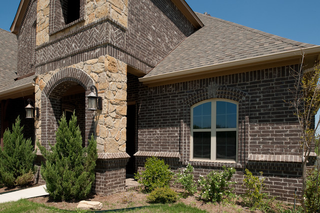 Residential - Traditional - Exterior - other metro - by ...
