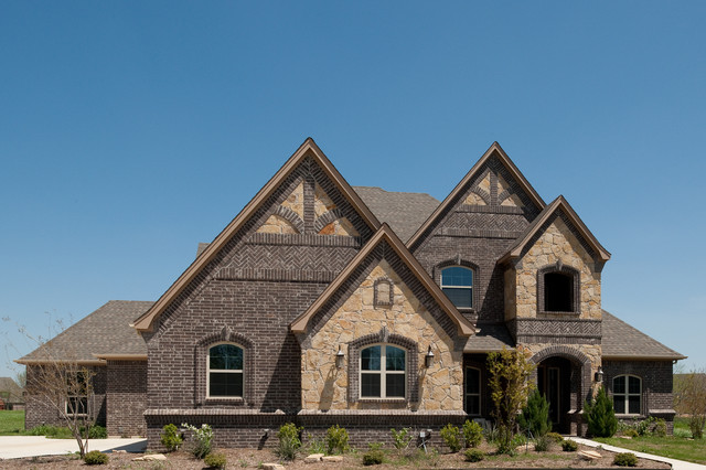 Residential traditional exterior other metro by for Exterior brick design patterns