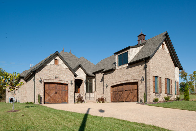 Residential traditional-exterior