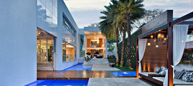 Residential - By Leonardo Rotsen contemporary exterior