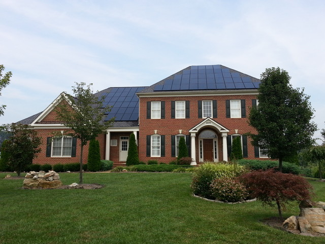 Residential Rooftop Solar Power Systems - Traditional - Exterior ...