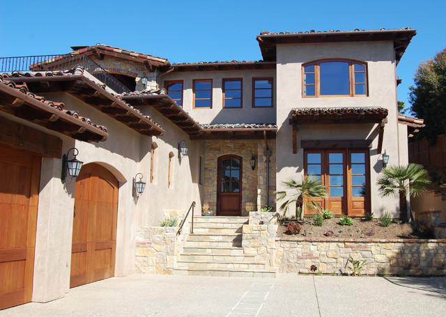 Rios Residence traditional-exterior