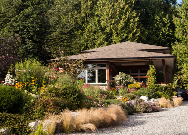 Roberts creek house transitional exterior vancouver for Landscaping rocks nelson