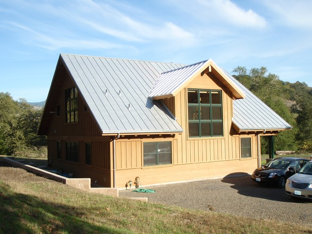 Rocking Double H Barn / Guesthouse contemporary-exterior