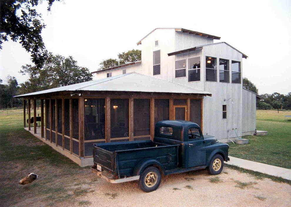 Urban exterior home photo in Austin