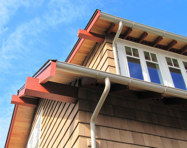 Roof overhangs craftsman exterior seattle by tim for Craftsman roofing