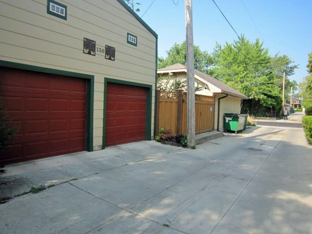 Rooftop Garden on Garage - Traditional - Exterior ...