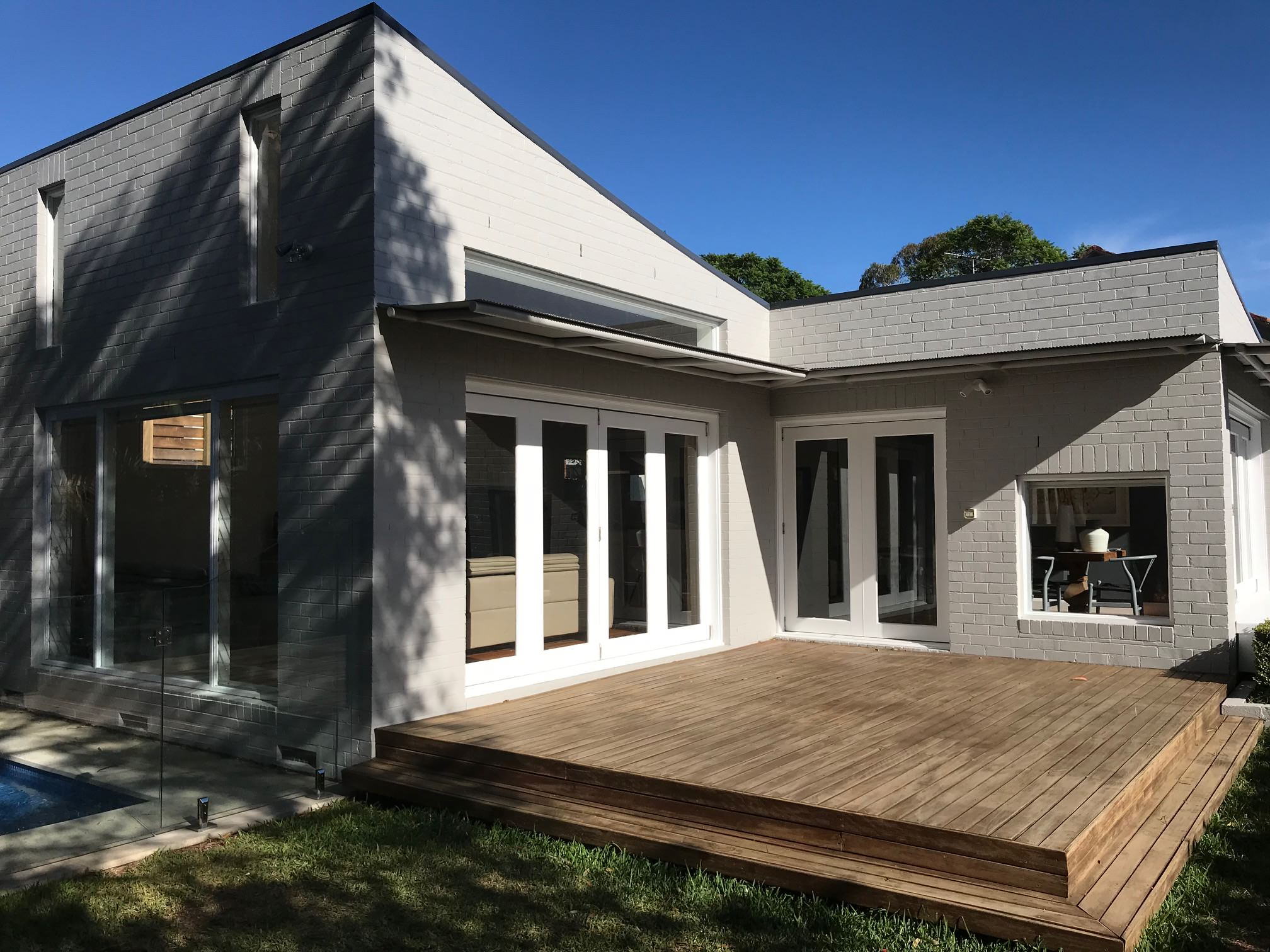 Roseville bungalow /modern extension