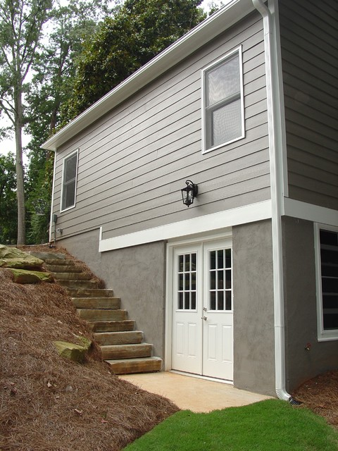 Roswell - Detached Garage with Garden Room Below traditional-exterior