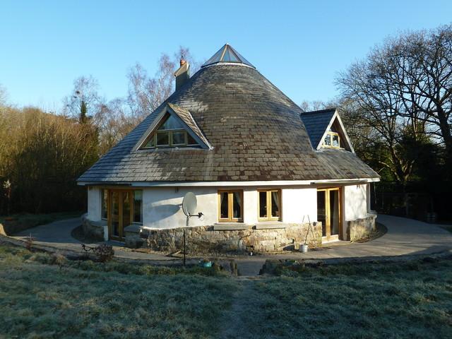 Round Homes Designs: Round House