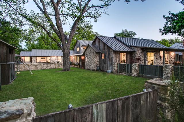 Olsen Home Exteriors: Rustic Barnwooed Farmhouse In Dallas