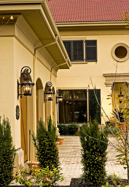 Sammamish tuscan estate for Tuscan home exterior colors