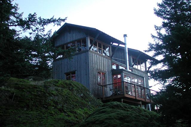San Juan Island Cabin – San Juan Island, WA « DAVID VANDERVORT ARCHITECTS eclectic-exterior