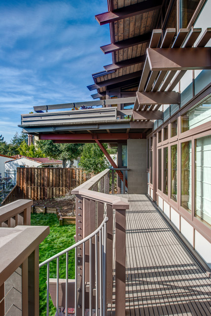 Example of a midcentury modern exterior home design in San Francisco