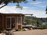 Houzz Tour: Three Pods Make a Beach House in New Zealand (12 photos)