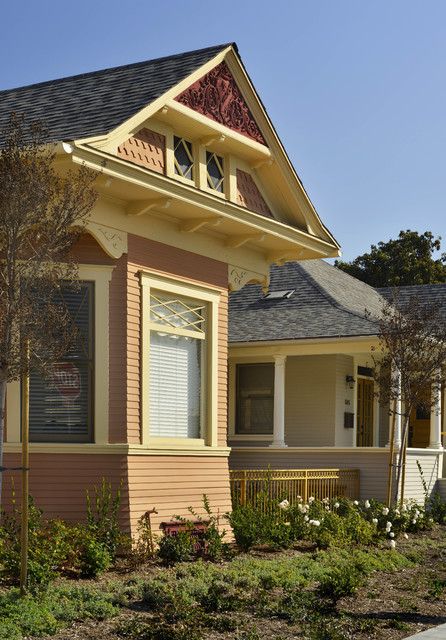 Santa Ana Historical Homes : traditional exterior from www.houzz.com size 446 x 640 jpeg 130kB