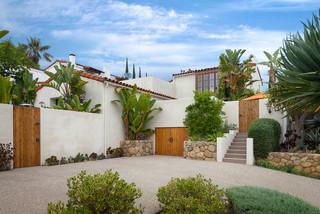Santa barbara modern mediterran h user santa barbara von david m kim realtor village - Badmobel mediterran ...