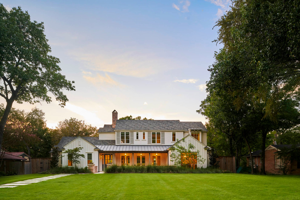 Inspiration for a country exterior home remodel in Dallas