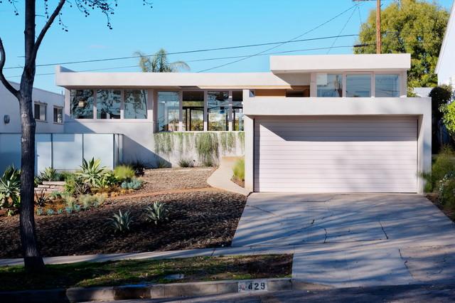 Schindler Residence on Ellis Avenue modern-exterior