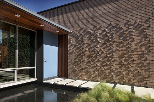 Scout island modern exterior austin by alterstudio for Cool brick wall designs