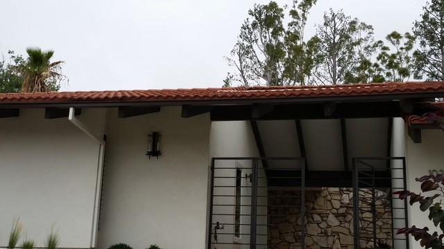 Seamless Box Style Gutters On Tile Roof Home In Santa Ana