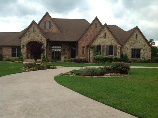 Sean knight custom homes exterior for Custom built brick homes