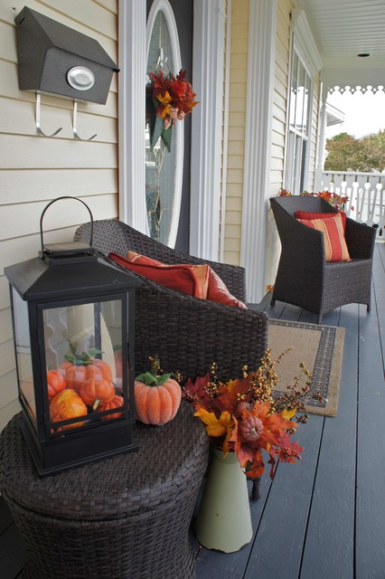 Seasonal exterior- Autumn traditional exterior