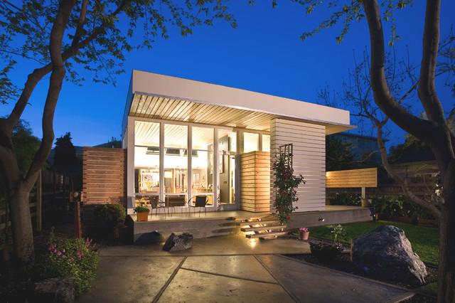 Second street green contemporary exterior san for Casas sencillas pero bonitas