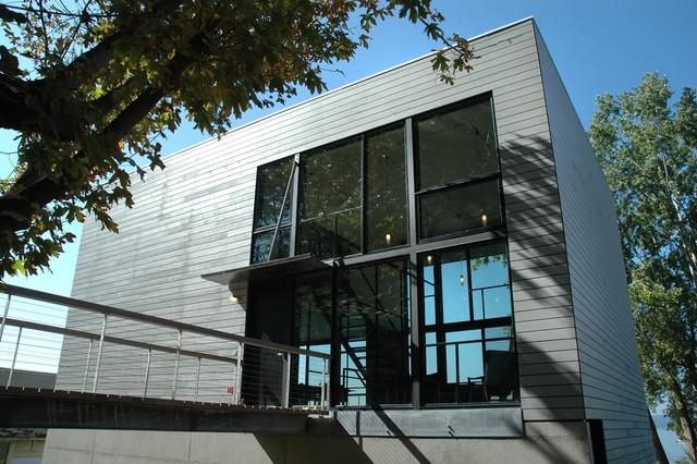 Seola Beach House contemporary-exterior