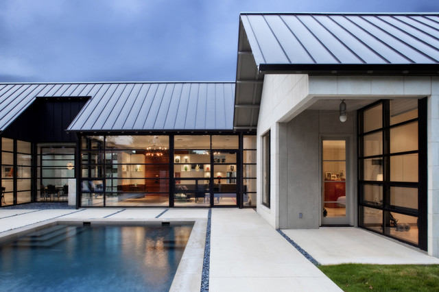 Shavano park house for Contemporary roof
