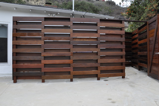 Sherman Oaks House Trash Can Enclosure - Contemporary - Exterior - Los Angeles - by Parson ...