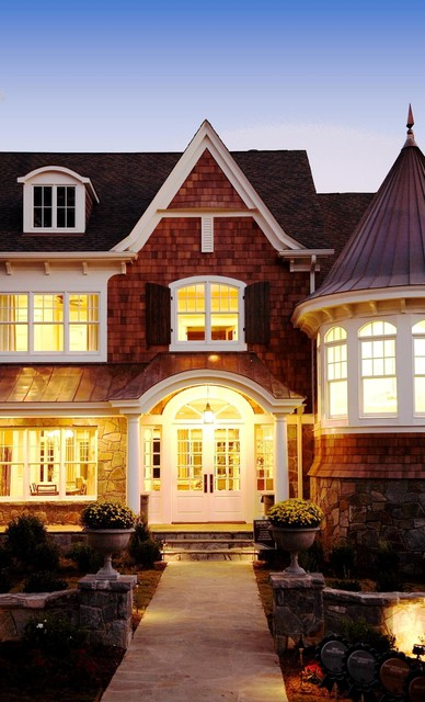 Shingle Style House traditional-exterior
