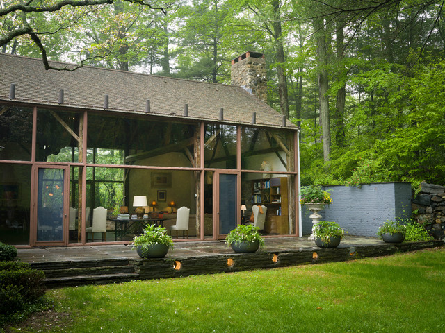 Shoreline Party Barn Renovated By Philip Johnson Rustic Exterior
