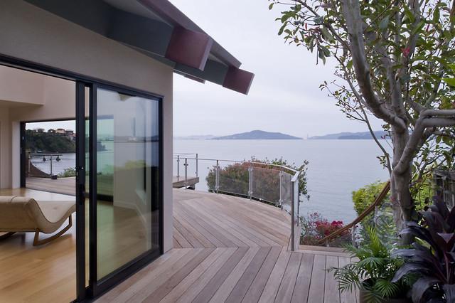 Side deck modern-exterior